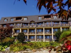 Hotel Vega - pohled na hotel ze zahrady
