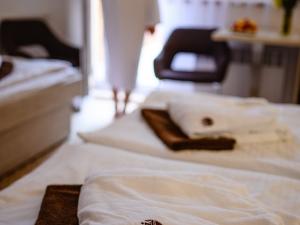Hotel Vega - Rodinný pokoj - ložnice s přistýlkou